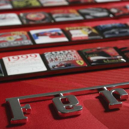 Álbum conmemorativo de los 60 años de Ferrari