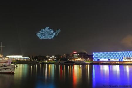 Spaxels, un escuadrón de drones con mucho talento para dibujar en el aire