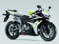 Honda redecora la CBR 600 RR HANNspree y la Passion 125 Sport