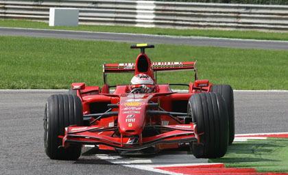 Los Ferrari toman la delantera en Monza