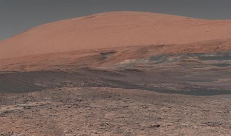 Un nuevo mapa del hielo de Marte muestra que acceder a él sería tan fácil como usar una pala
