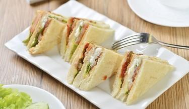Cómo darle un giro de sabor a los sándwiches para la escuela