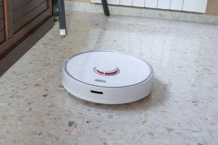 Roborock S5 Max, análisis: un robot aspirador muy completo que brilla por su visor láser y batería