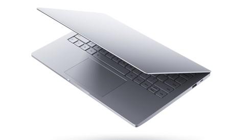 El Xiaomi Mi Laptop Air 13,3 tiene teclado en español, pero su distribución es rarísima
