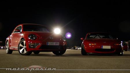 Volkswagen Beetle y Mazda MX-5