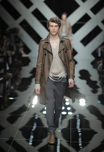 Burberry Prorsum, Primavera-Verano 2010 en la Semana de la Moda de Milán