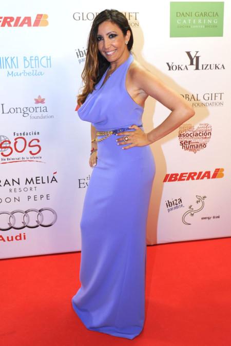 Maria Bravo con vestido lila