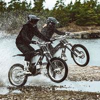 La nueva moto eléctrica de CAKE tiene los mismos 15 CV pero es 3.500 euros más barata e igual de divertida en offroad