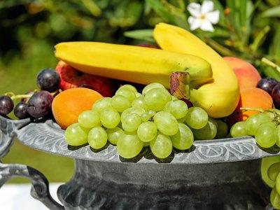Si no te queda más que ir al súper, estos tips servirán para que escojas las frutas más maduras y frescas