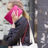 Mejora la protección solar mientras hablas por teléfono