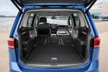 volkswagen touran 2015 ahora s que es nuevo. Black Bedroom Furniture Sets. Home Design Ideas