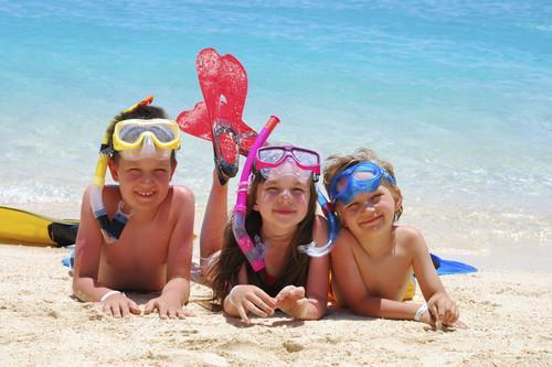 Las 15 mejores cremas solares infantiles para cuidar la piel de los niños