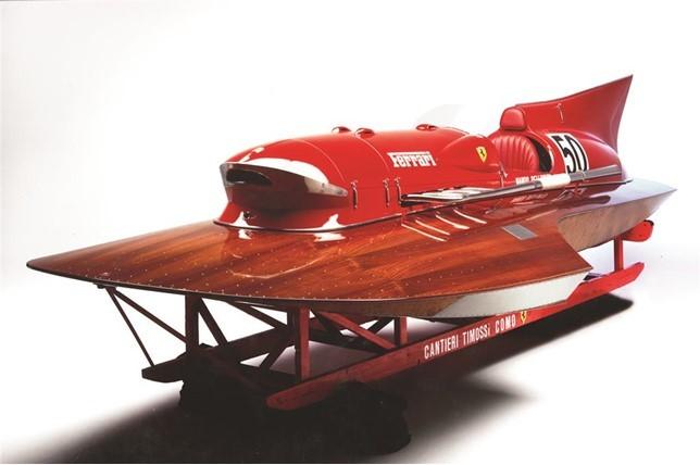 A la venta el Ferrari Arno XI, un barco de competición de récord y el único del mundo con motor Ferrari