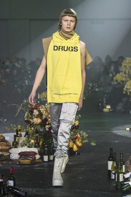 Raf Simons contra la glamurización de las drogas en su colección otoño-invierno 2018/2019