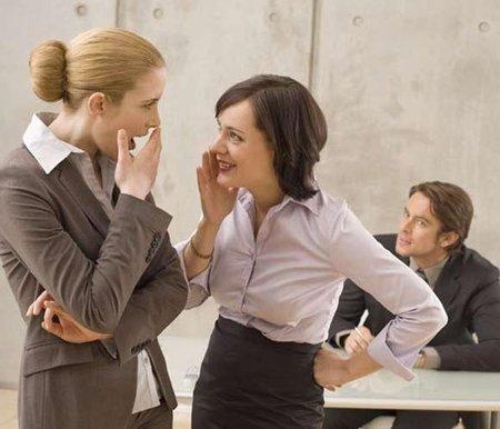 3 consejos raros para hacer amigos: critica a los demás, pero positivamente (y III)