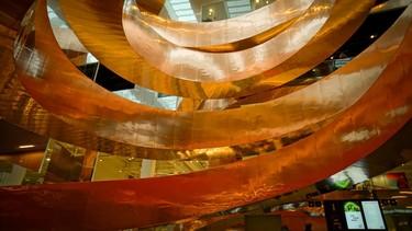 CEBRA reforma el museo de las ciencias en Copenhague y así relucen sus toneladas de materiales