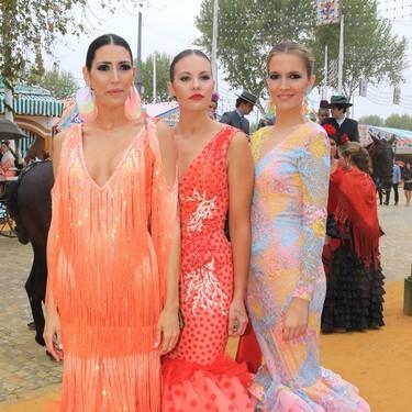Las famosas ya lucen el traje de flamenca en la Feria de Abril, con más color que nunca