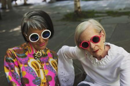 Ser 'influencer' no está reñido con la edad: estas 11 mujeres pasan de los 60 y su estilazo es lo más