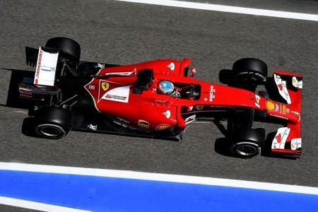 """Fernando Alonso: """"Si Mercedes se lo proponen ganarán todas las carreras"""""""