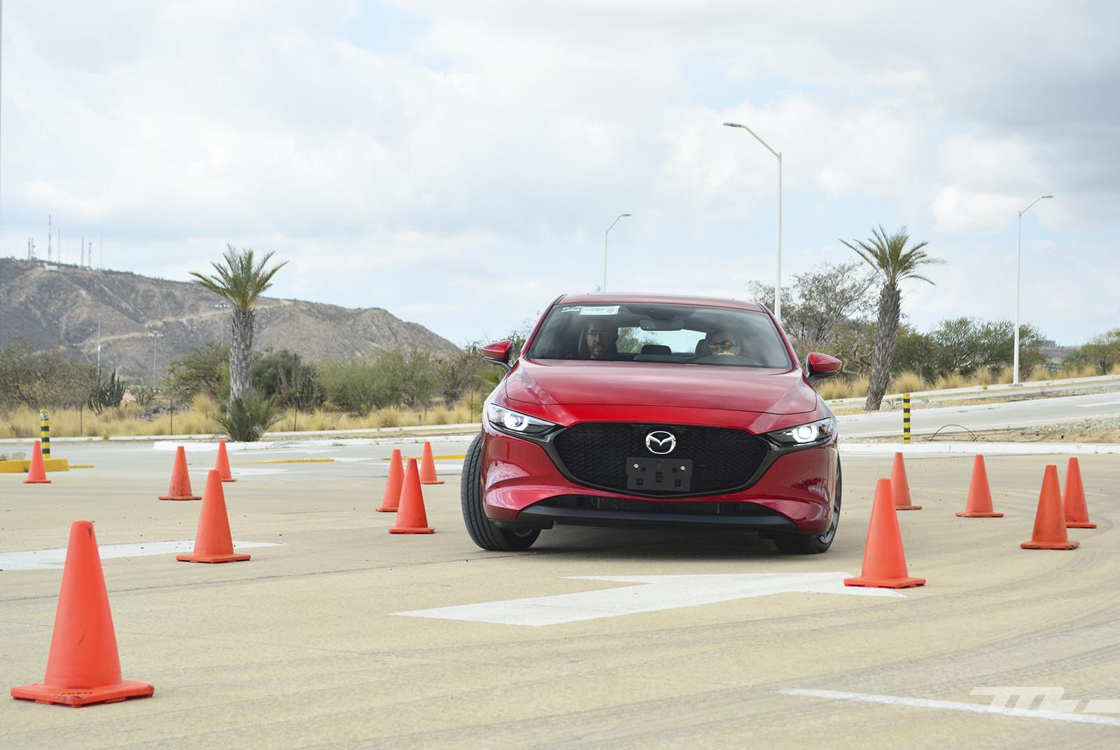 Foto de Mazda 3 2019 en México (11/27)