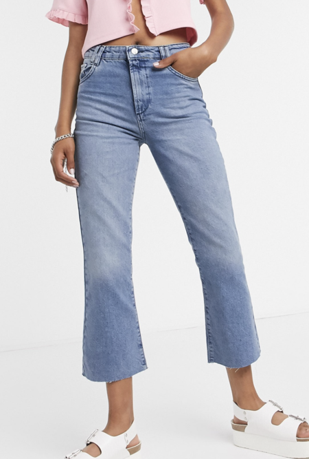 https://www.asos.com/es/reclaimed-vintage/reclaimed-vintage-inspired-the-85-crop-flare-with-raw-hem-in-washed-blue/prd/20404364?clr=azul-desgastado&colourwayid=60050960&SearchQuery=crop+flare&SearchRedirect=true