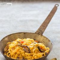 Fettuccine con berenjenas gratinadas y tomates. Receta
