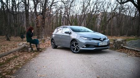 ¿Se pueden lograr realmente bajos consumos con un híbrido? Lo comprobamos con el Toyota Auris hybrid