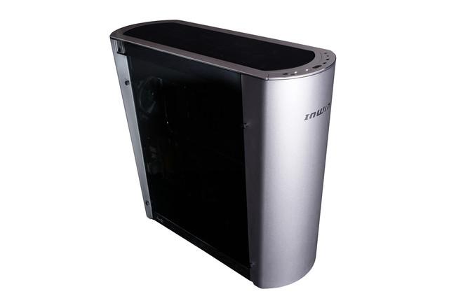 Si quieres montarte un HTPC elegante para el salón, la nueva caja In Win 915 será una buena candidata