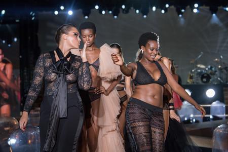 Etam apuesta en su desfile por la lencería sexy para todo tipo de cuerpos y mujeres de todas las tallas