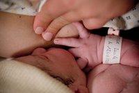 """Mitos sobre la lactancia materna: """"Las mujeres deben lavarse los pezones antes de cada toma"""""""