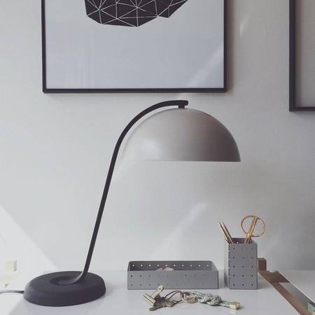 lampara de mesa hay