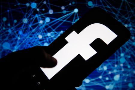"""Facebook ayudaría México a llevar internet a zonas rurales siempre y cuando el esquema sea """"afín"""" a los planes de Zuckerberg: AMLO"""