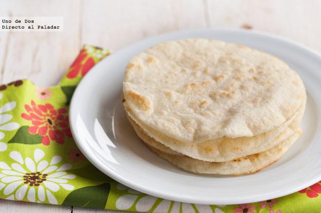 Cómo hacer tortillas de maíz para tacos, receta básica mexicana