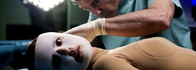 'La piel que habito' es una de las mejores películas de 2011 y uno de los mejores trabajos de Pedro Almodóvar