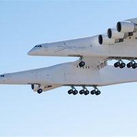 El Stratolaunch completa su primer vuelo: se inicia así una nueva plataforma de lanzamiento espacial