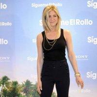 El estilo de Jennifer Aniston en su gira promocional de Sígueme el rollo: le gusta el total black
