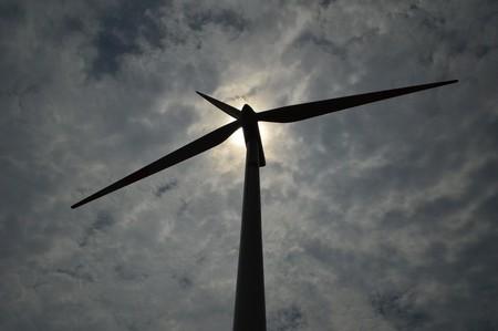 Bill Gates se lanza a resolver el principal problema que impide que la eólica sea la solución energética (casi) definitiva