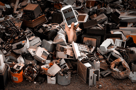 En México cada persona produce entre 7 y 10 kilogramos de basura electrónica al año