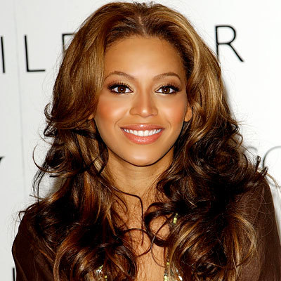 Beyonce pelo rizado
