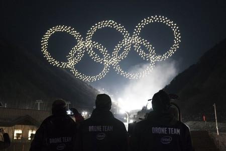 Más de 1200 drones volando al mismo tiempo: el vídeo del espectáculo de luces de los Juegos Olímpicos de Invierno