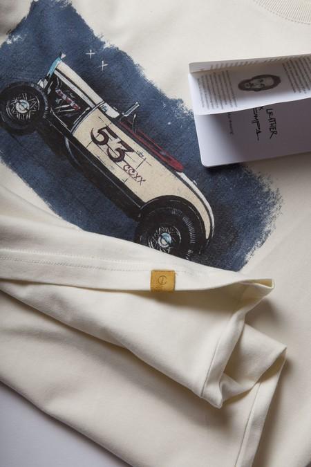Cafe Leather Y Manu Campa Lanzan Una Propuesta Llena De Arte En Una Coleccion Capsula 02