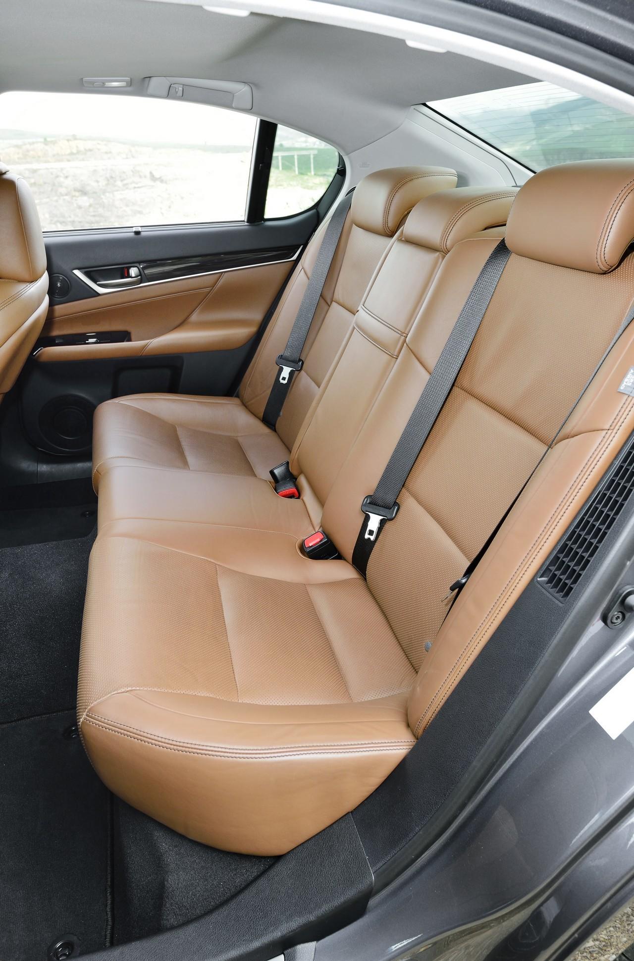 Foto de Lexus GS 300h (100/153)
