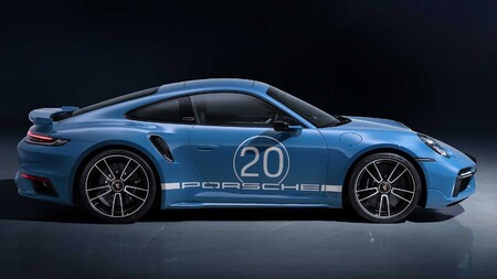 Porsche 911 20 Aniversario China6