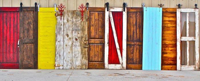 La rentabilidad de ampliar espacios con puertas corredizas for Herrajes para puertas correderas rusticas