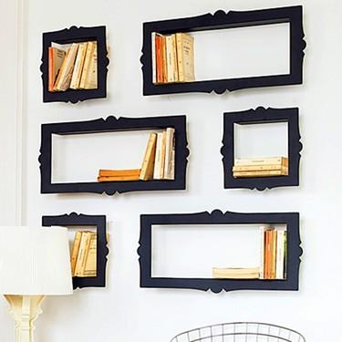Una buena idea: marcos como estanterías