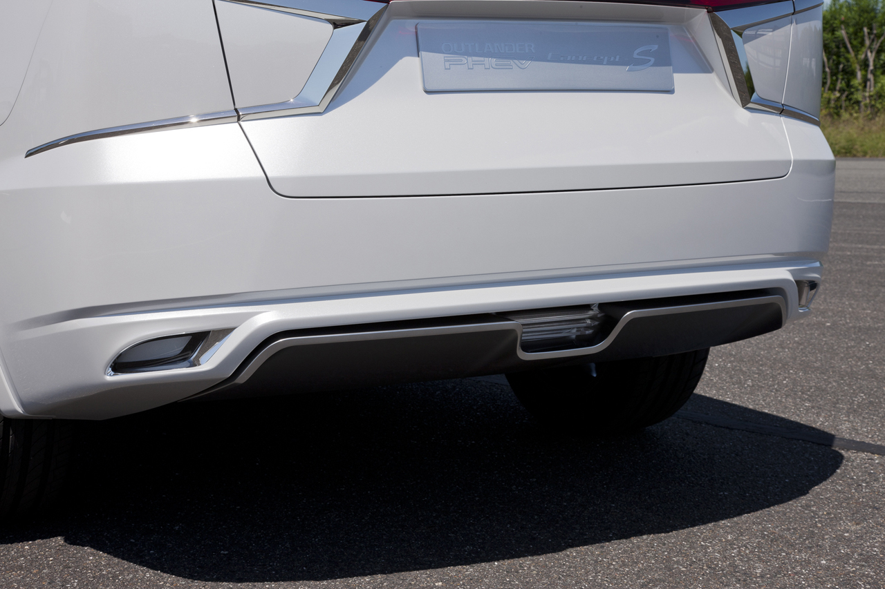 Foto de Mitsubishi Outlander PHEV Concept-S (32/49)