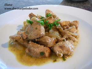 Pollo al curry y cardamomo. Receta