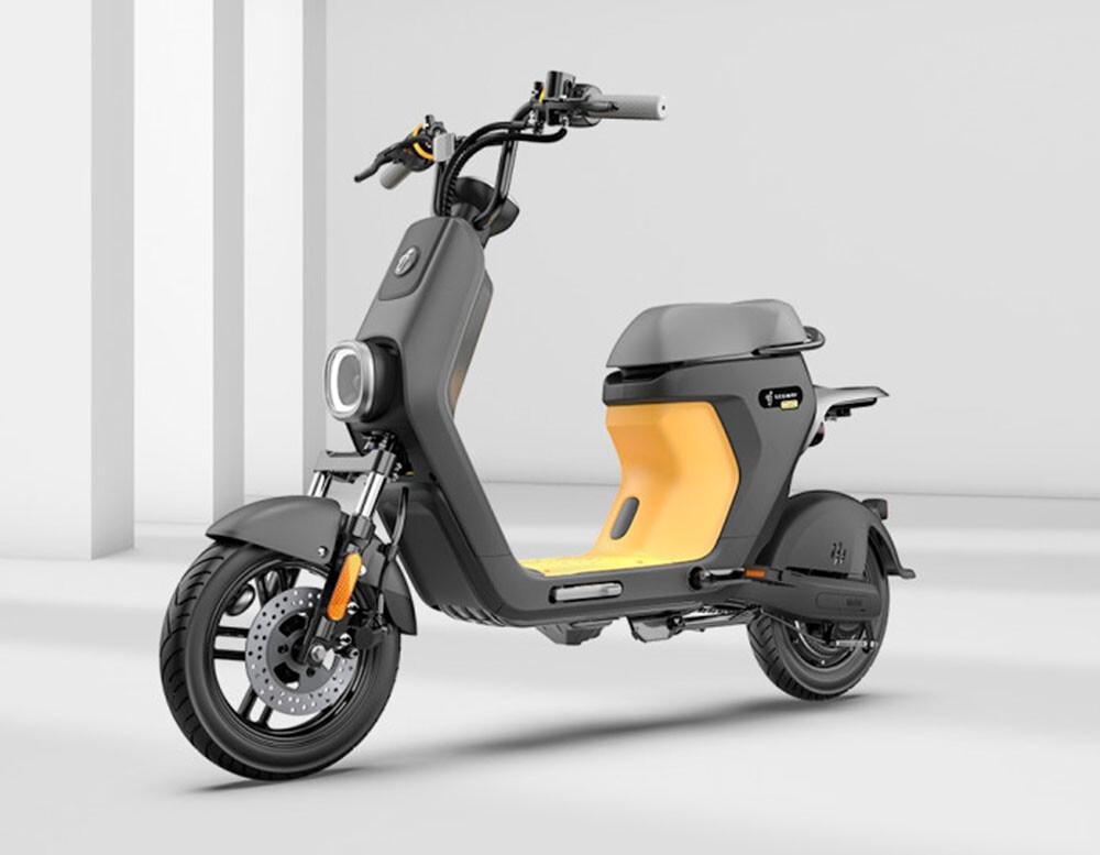Segway eMoped C80: un pequeño ciclomotor eléctrico para conquistar la ciudad con hasta 85 km de autonomía
