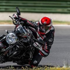 Foto 8 de 30 de la galería ducati-monster-1200-r en Motorpasion Moto