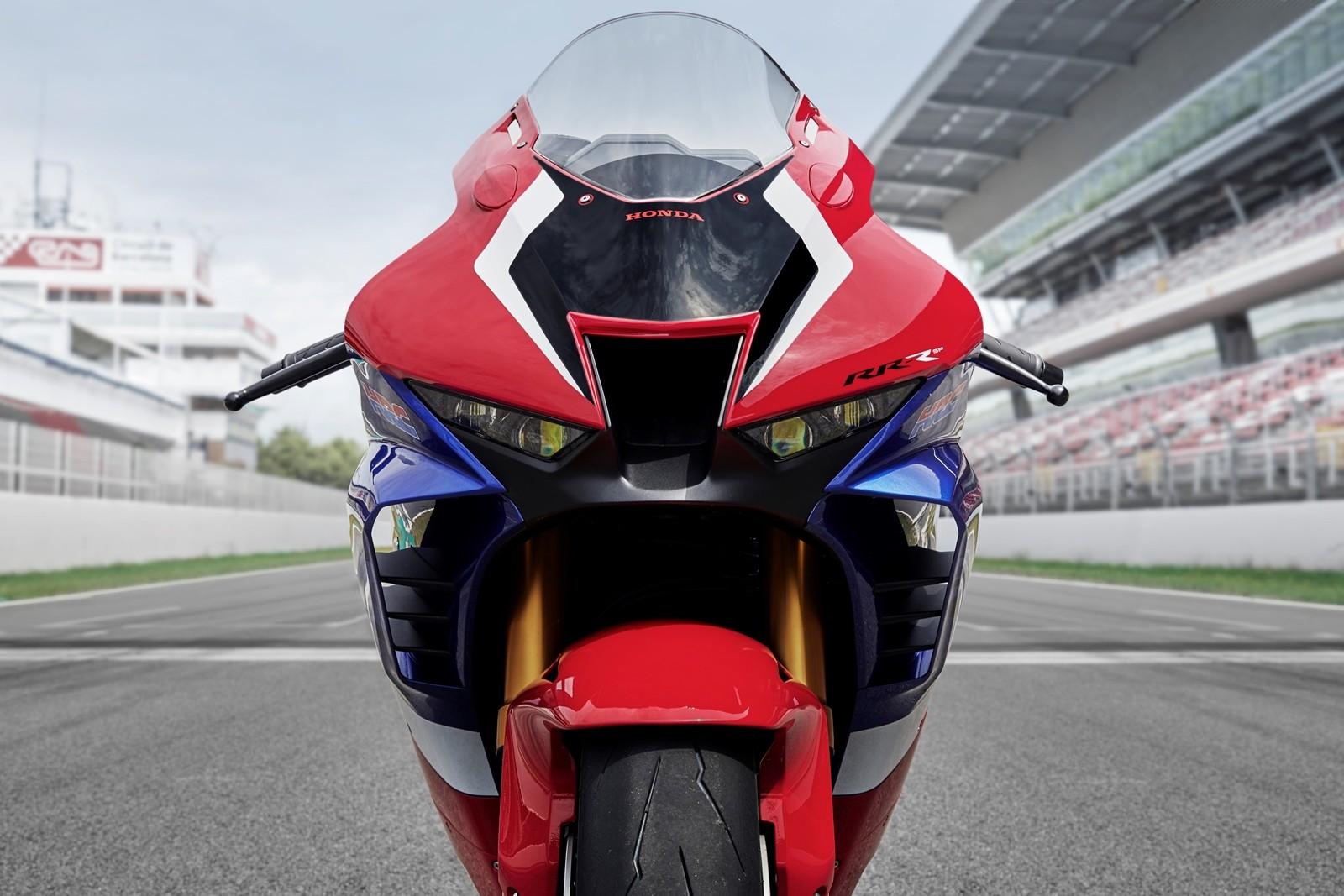 Foto de Honda CBR1000RR-R SP Fireblade 2020 (30/35)